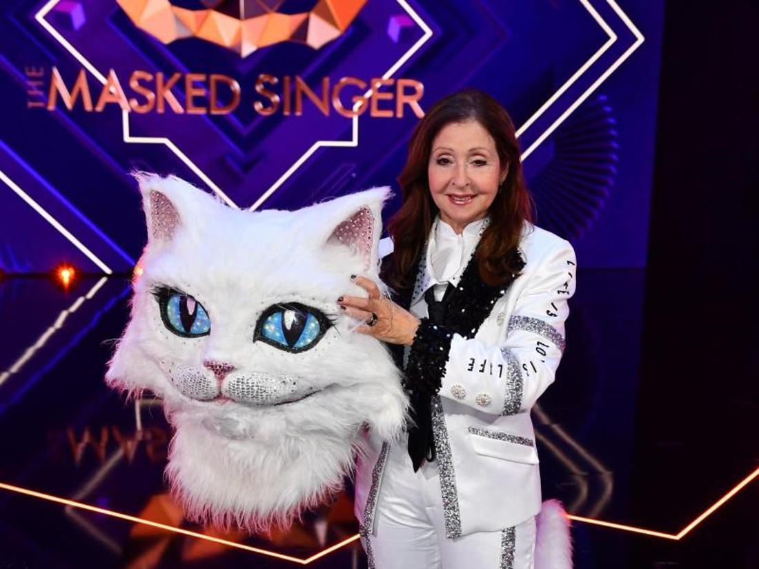 Vicky Leandros im Kostüm der Figur «Die Katze» im Halbfinale der ProSieben-Show «The Masked Singer».