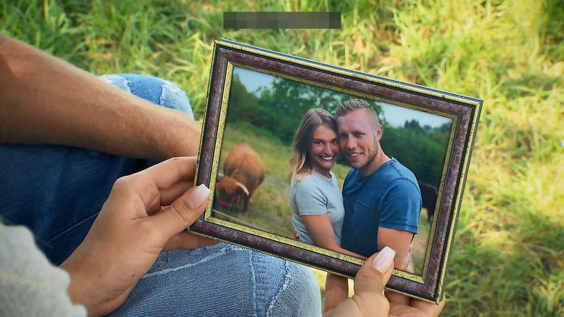 """Patrick schenkt seiner Julia bei """"Bauer sucht Frau"""" ein Foto. Eigentlich nichts besonderes."""