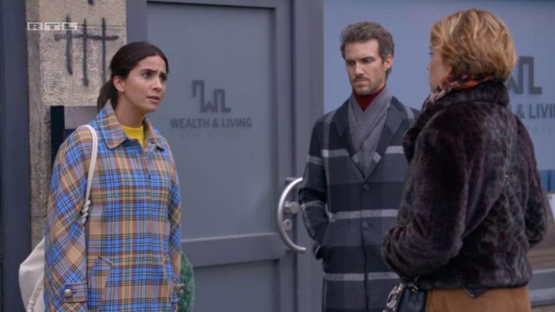 Laura, Felix und Yvonne auf der Straße im Kiez. Laura und Felix sind dabei die Wohnung zu verlassen.