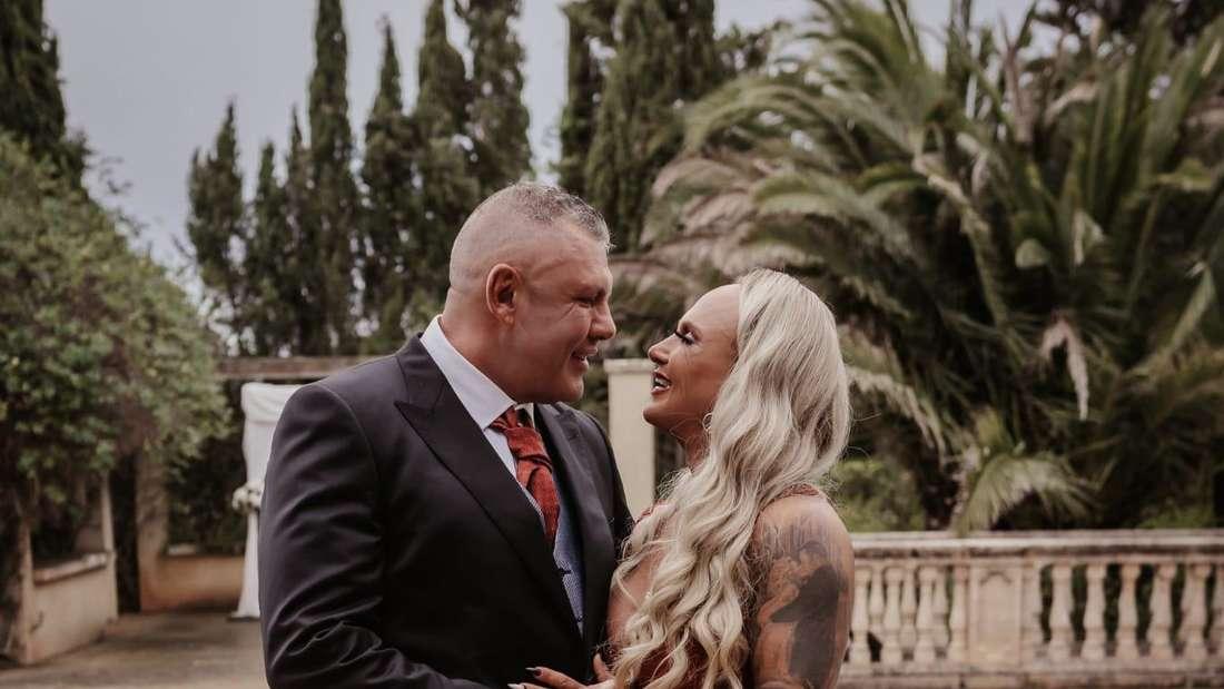 Caro und Andreas Robens erneuern ihr Ehe-Versprechen.