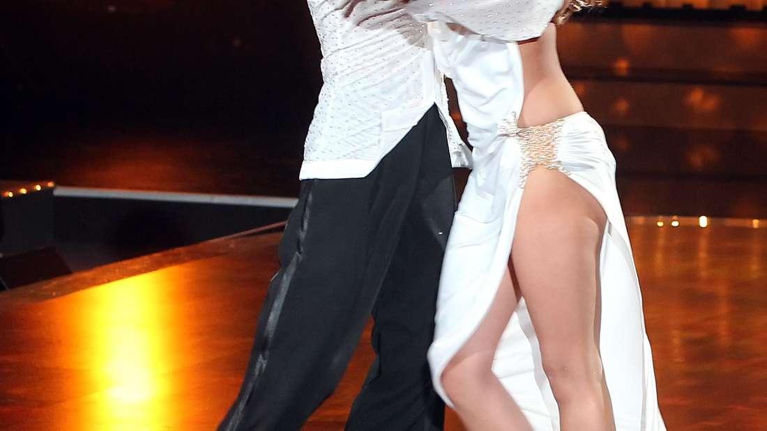 "Sophia Thomalla und Massimo Sinató im Finale von ""Let's Dance"" 2010."