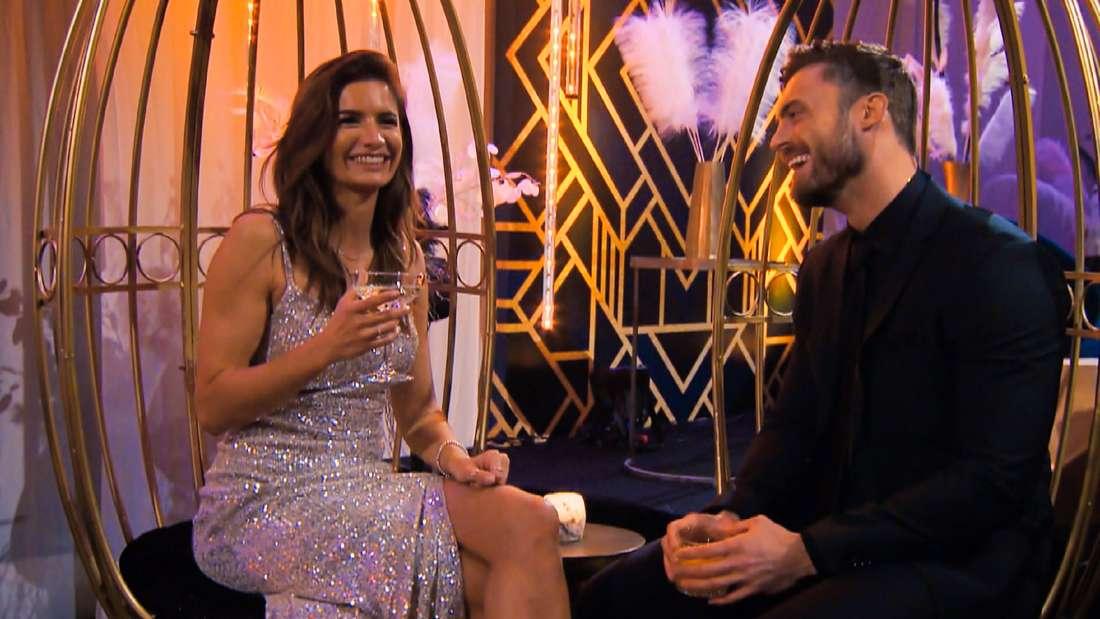 Bachelor Niko und Michèle lächeln