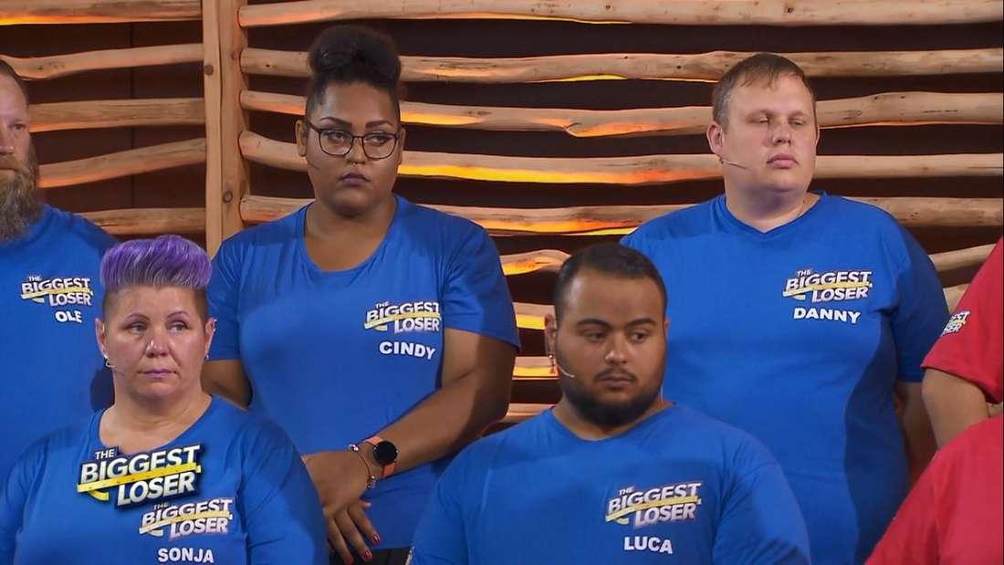 The Biggest Loser: Die Kandidaten von Team Blau beim großen Wiegen