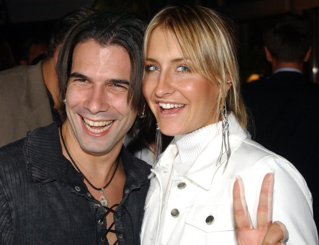"""Popstar Sarah Connor und ihr Freund Marc Terenzi von der US-Boygroup """"Natural"""" amüsieren sich in der Nacht zu 13.6.2003 in Berlin beim """"T-Online Medientreff"""""""