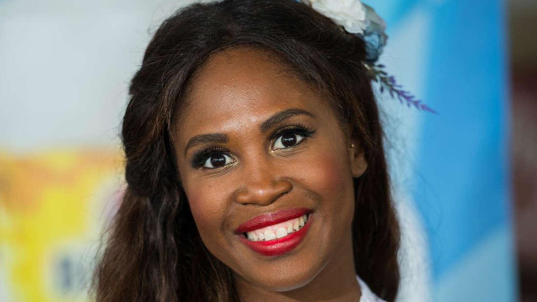 Hübsch gestylt und wallende Mähne: So kennen RTL-Zuschauer Motsi Mabuse von Let's Dance