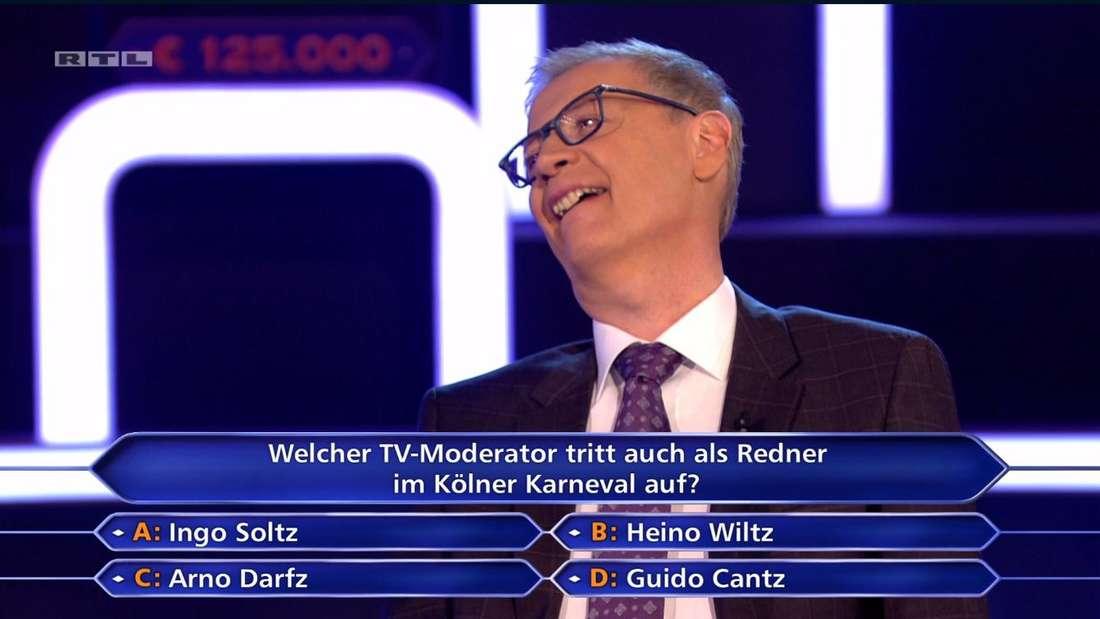 Günther Jauch lacht