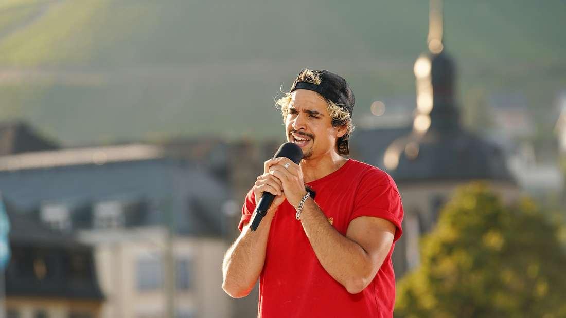 Hisham Morscher singt