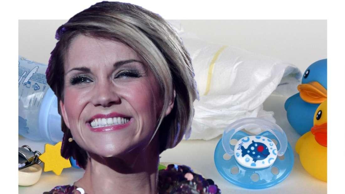 Anna-Maria Zimmermann lacht, im Hintergrund Baby-Utensilien (Fotomontage)