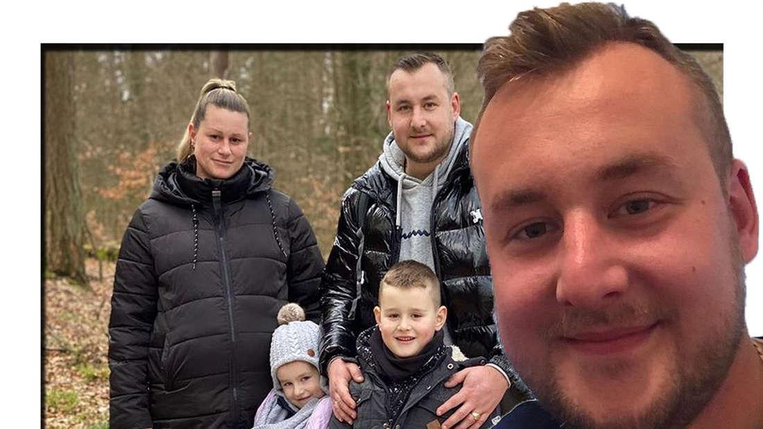 Patrick lächelt in die Kamera - im Hintergrund ist er mit seiner Familie zu sehen