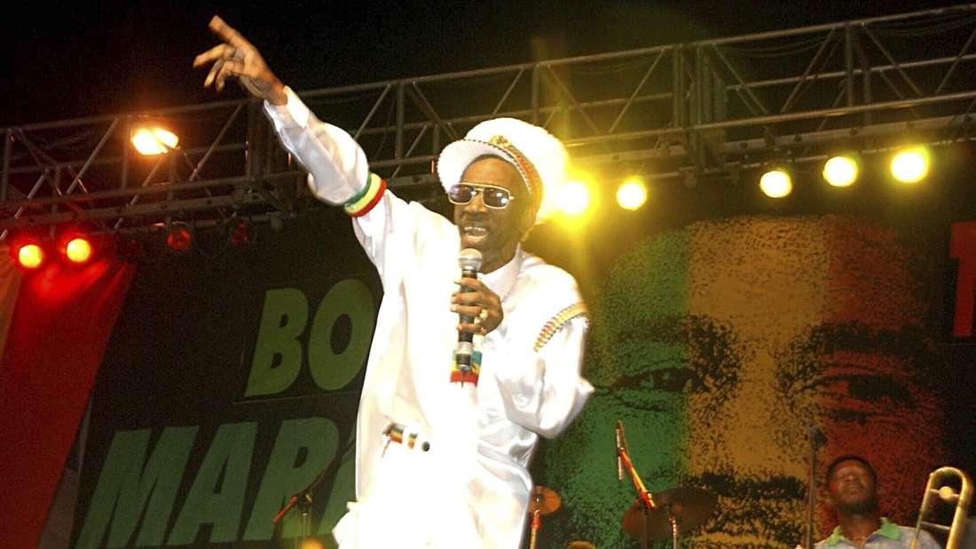 Reggae-Pionier Bunny Wailer tritt beim One Love-Konzert zum 60. Geburtstag von Bob Marley auf