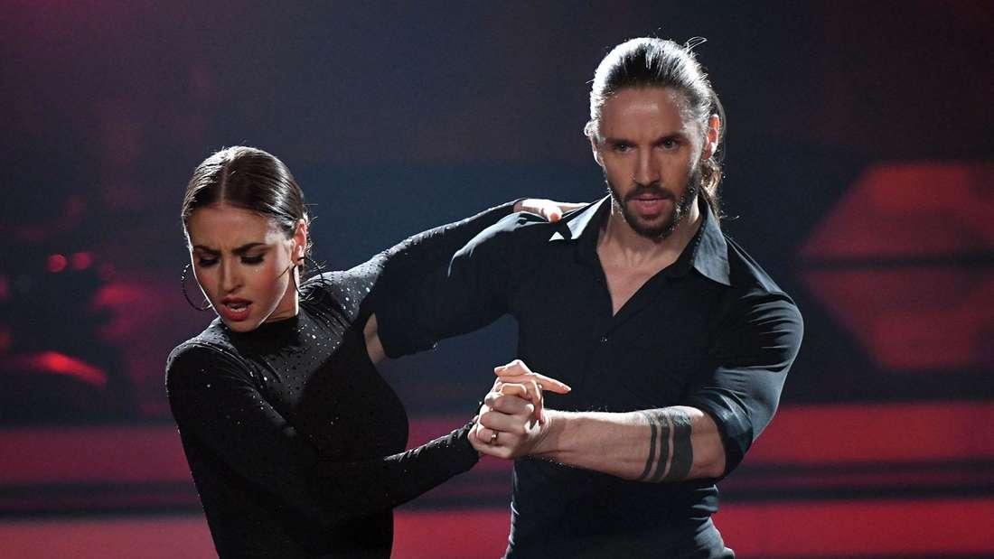 "Ekaterina Leonova und Gil Ofarim bei ""Let's Dance"" 2017."
