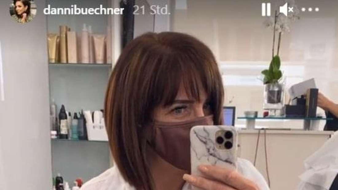 Screenshot aus Danni Büchners Instagram-Story, in der sie ihren Followern ihre neue Frisur zeigt.