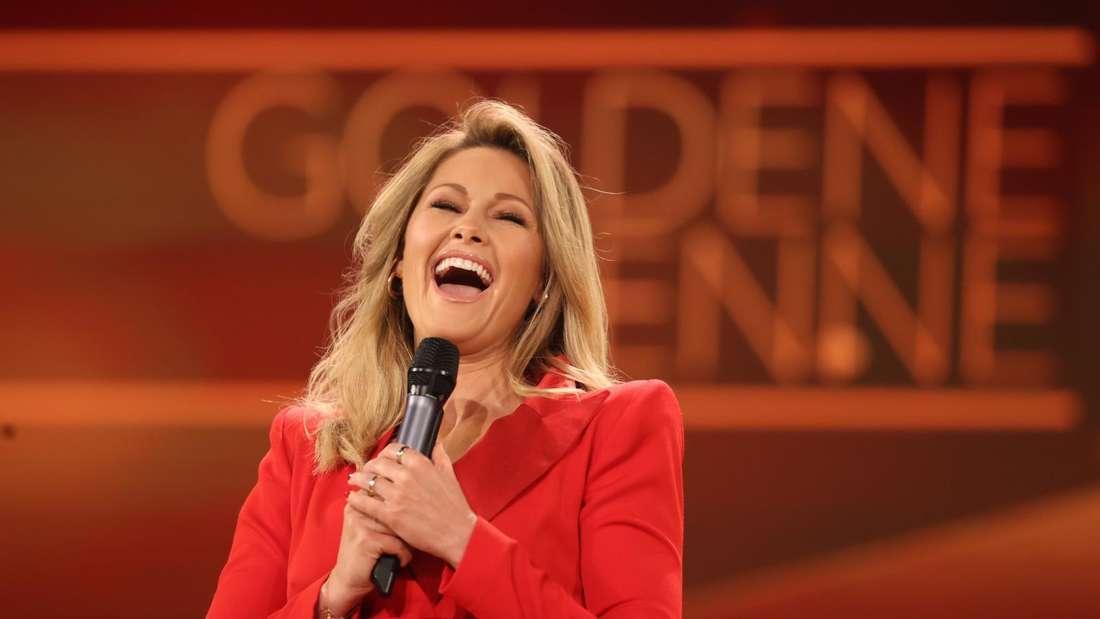 """Helene Fischer lacht bei der Gala zur Verleihung der """"Goldenen Henne"""""""