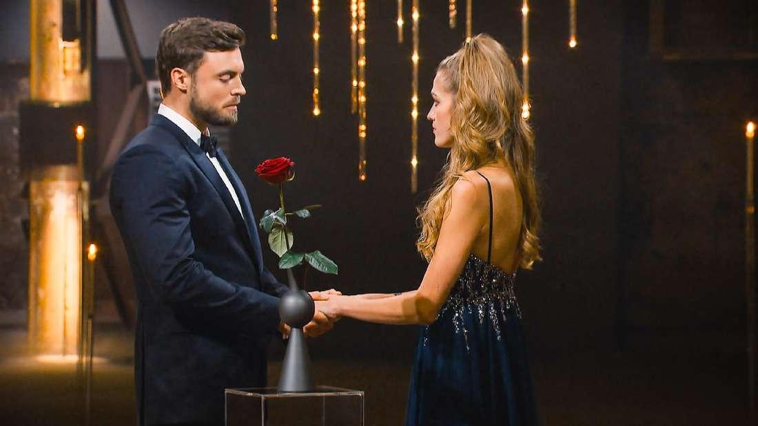 Kandidatin Mimi und Bachelor Niko Griesert in der letzten Nacht der Rosen.