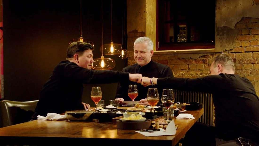 """Tim Mälzer, Tim Raue und Alexander Herrmann in der """"Best Friends Edition""""  von """"Kitchen Impossible"""""""