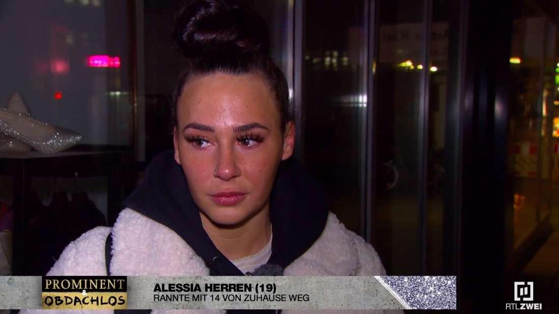 """Alessia Herren als Kandidatin bei """"Prominent und obdachlos"""". Schnell fließen bei der Promi-Tochter die Tränen"""