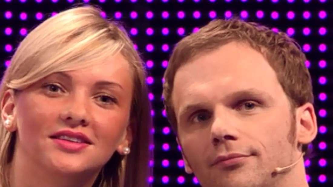 """Evelyn Burdecki und ModeratorRalf Schmitz bei der RTL-Kuppelshow """"Take me Out"""" 2014."""