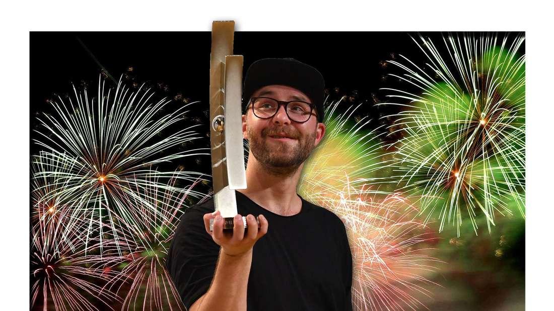 Mark Forster steht mit einem Echo in der Hand vor einem großen, bunten Feuerwerk (Fotomontage)