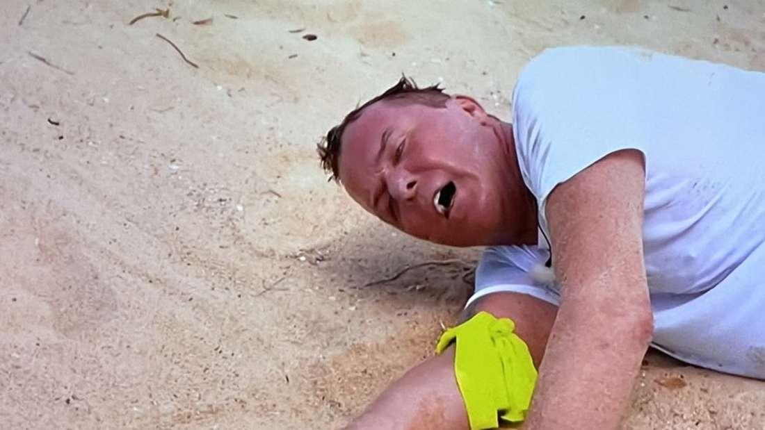 Marcus von Anhalt liegt am Boden, sein Gesicht schmerzverzerrt