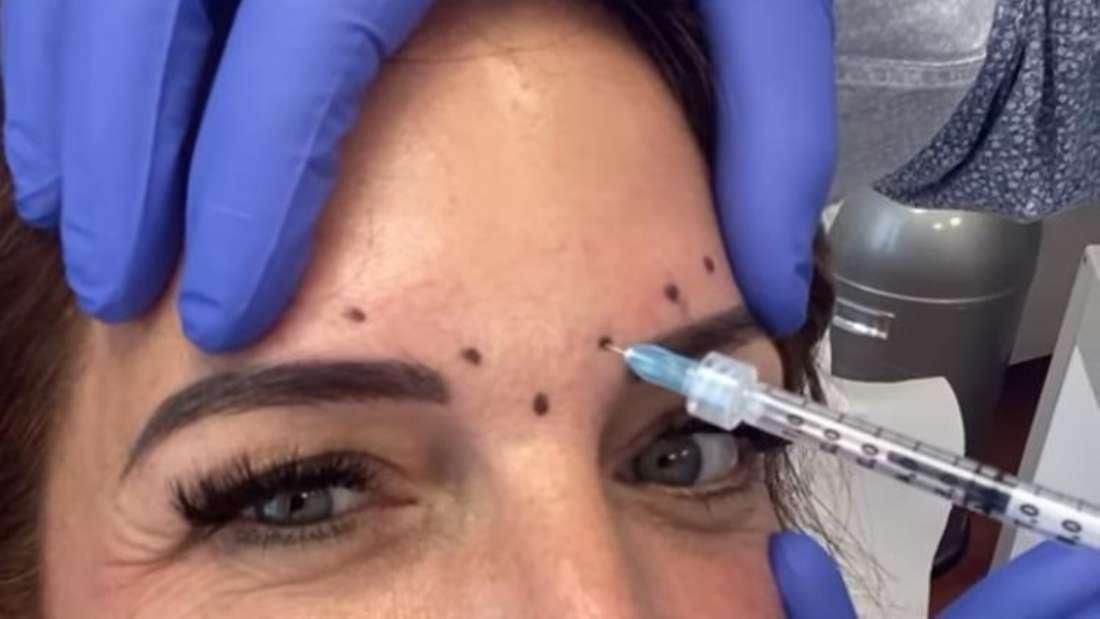 Screenshot aus Danni Büchners Instagram-Story, bei der sie sich Botox in die Stirn spritzen lässt.