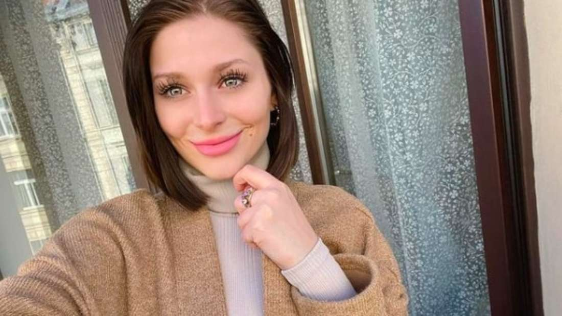 Schlagersängerin Marie Reim postet ein Instagram-Selfie.