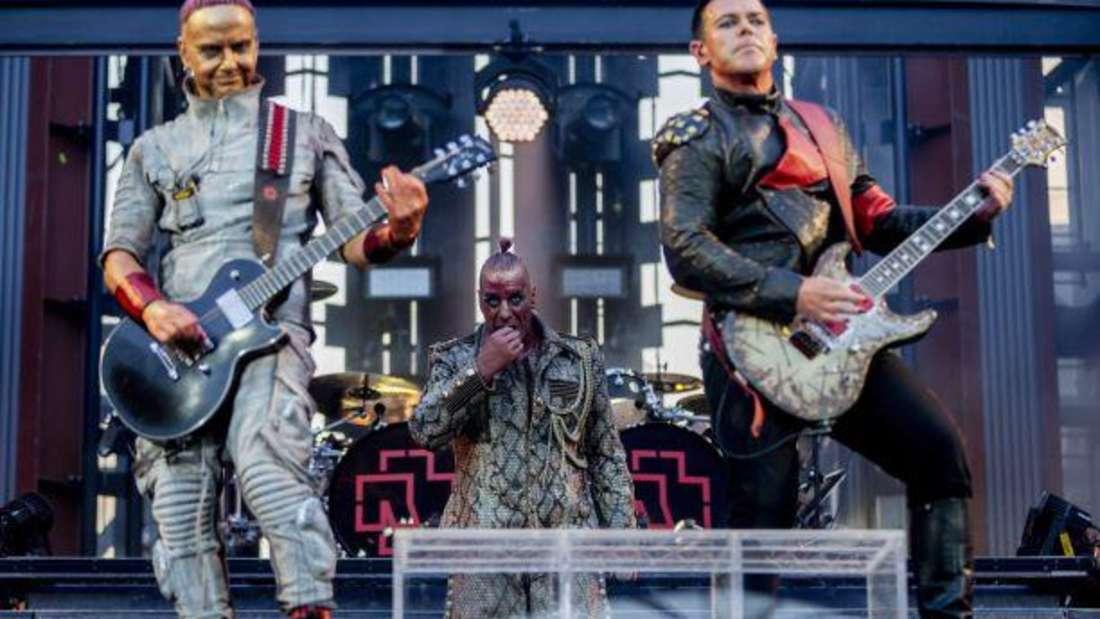 Die Band Rammstein bei einem Konzert in Berlin im Jahr 2019.