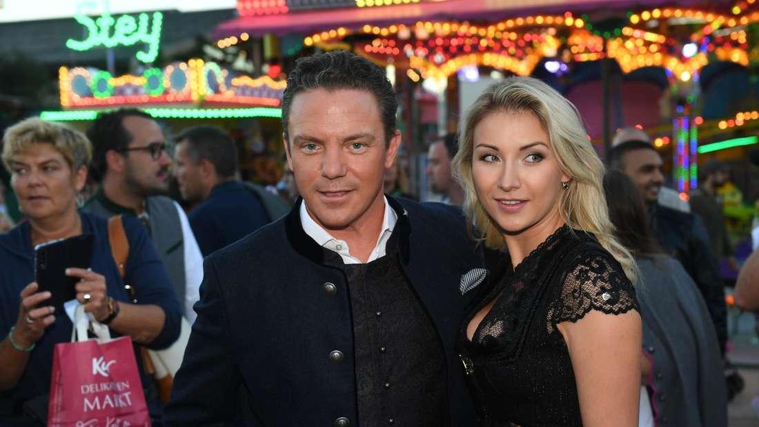 Stefan Mross und seine Frau auf dem Oktoberfest