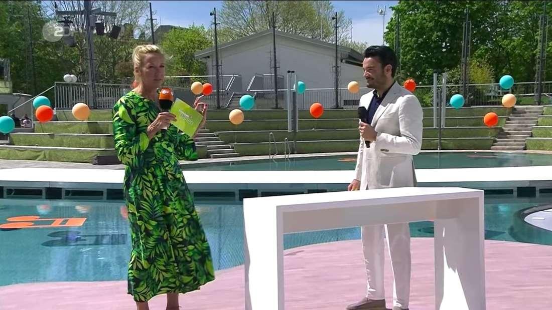 Andrea Kiewel und Giovanni Zarrella stehen am Sonntag (09. Mai 2021) zusammen auf der ZDF-Fernsehgarten-Bühne