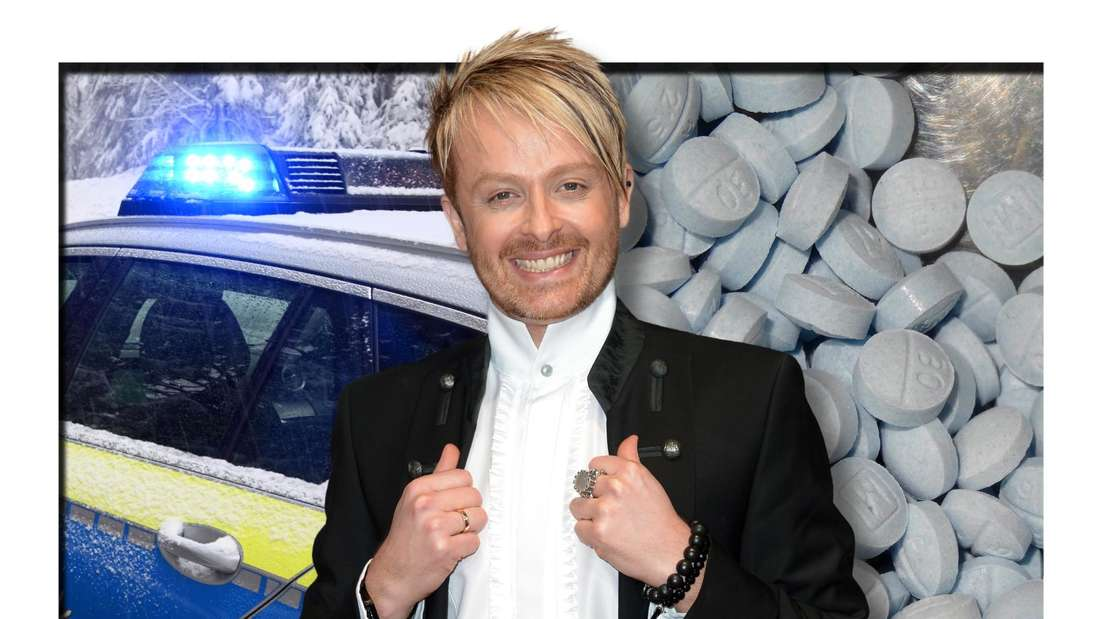 Ross Anthony lächelt, im Hintergrund sind ein Polizeiauto und mehrere Tabletten zu sehen (Fotomontage)