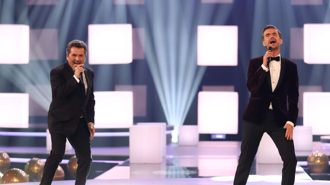 Florian Silbereisen und Thomas Anders singen gemeinsam auf einer Bühne
