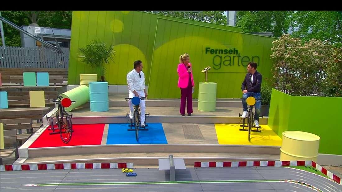 Schlager-Duo Fantasy (Martin Heinund Freddy März) am 23. Mai 2021 mit Andrea Kiewel auf der ZDF-Fernsehgarten-Bühne