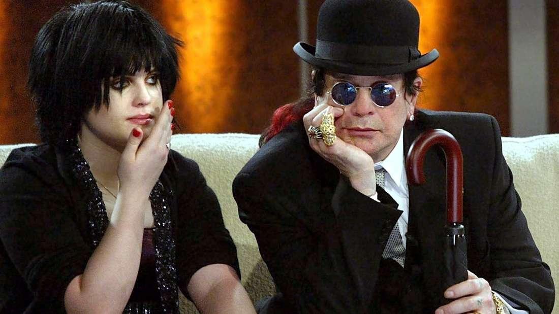 """""""Wetten, dass...?"""" in Freiburg: Ozzy und Kelly Osbourne auf dem Sofa"""