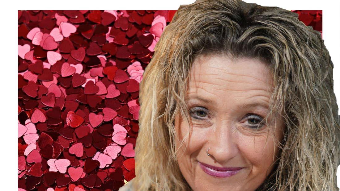 Daniela Alfinito vor einem Hintergrund aus roten Herzen (Fotomontage)