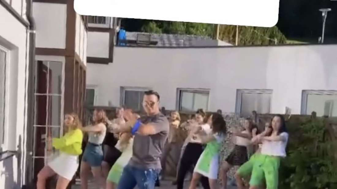 Schlagercountdown: Andreas Gabalier übt für Florian Silbereisen Tanzen