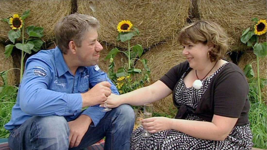 """Iris und Uwe Abel 2011 auf der Hofwoche von """"Bauer sucht Frau"""" - wie genervt die beiden damals waren, sieht man ihnen hier nicht an."""