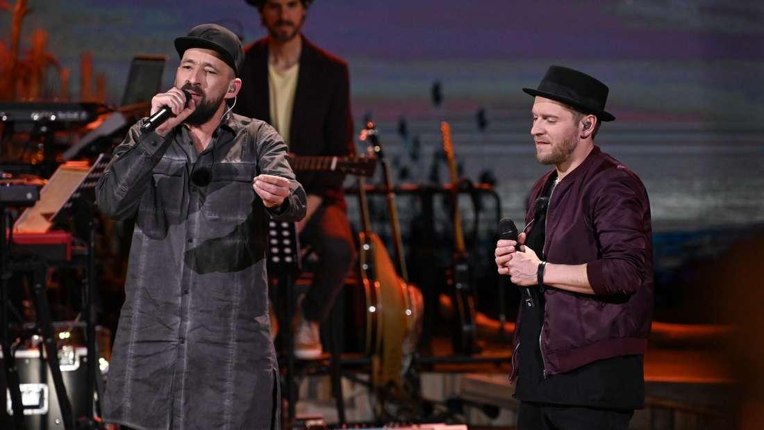 """Gentleman (l.) und Johannes Oerding bei """"Sing meinen Song - Das Tauschkonzert"""" (Vox)"""