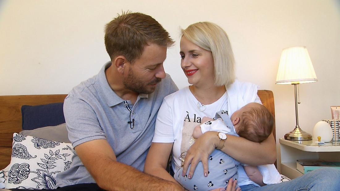 Anna und Gerald Heiser zusammen mit Sohn Leon