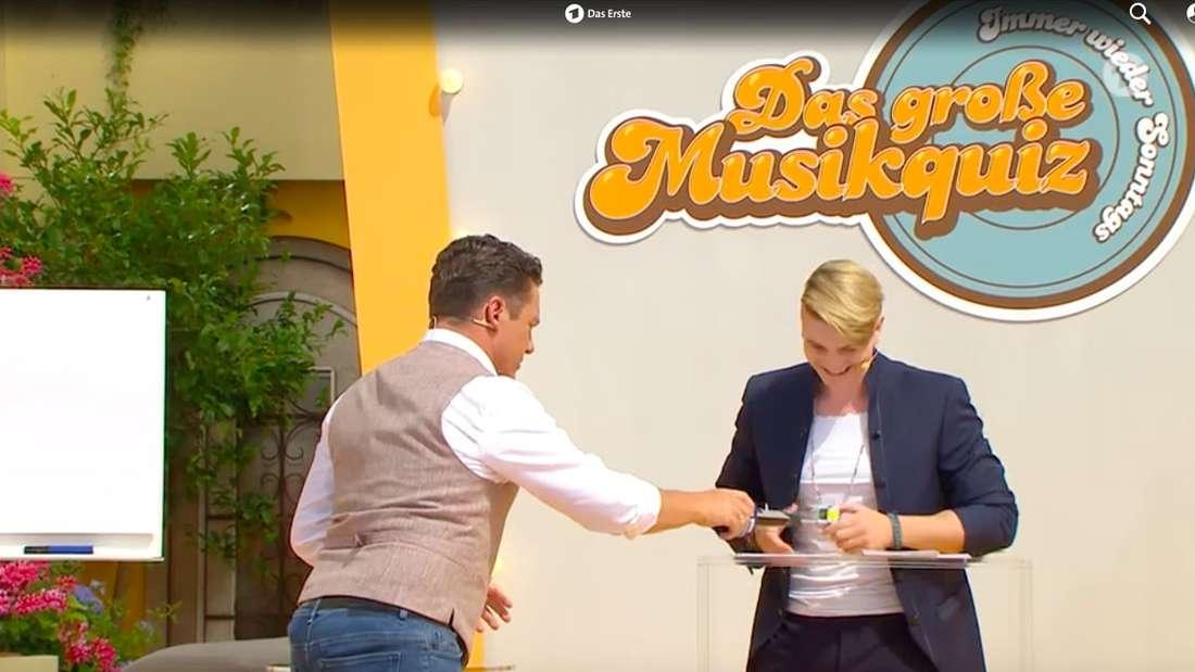 """Stefan Mross und Vincent Gross beim """"Immer wieder sonntags""""-Musikquiz"""