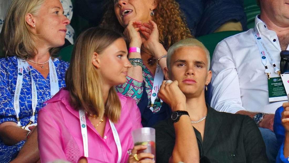 Romeo Beckham mit seiner Freundin Mia Regan in Wimbledon