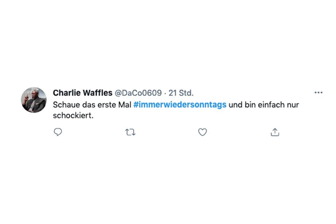 """Tweet zu Stefanie Hertels Auftritt bei """"Immer wieder sonntags"""": """"Schaue das erste Mal Immer wieder sonntags und bin einfach nur schockiert""""."""