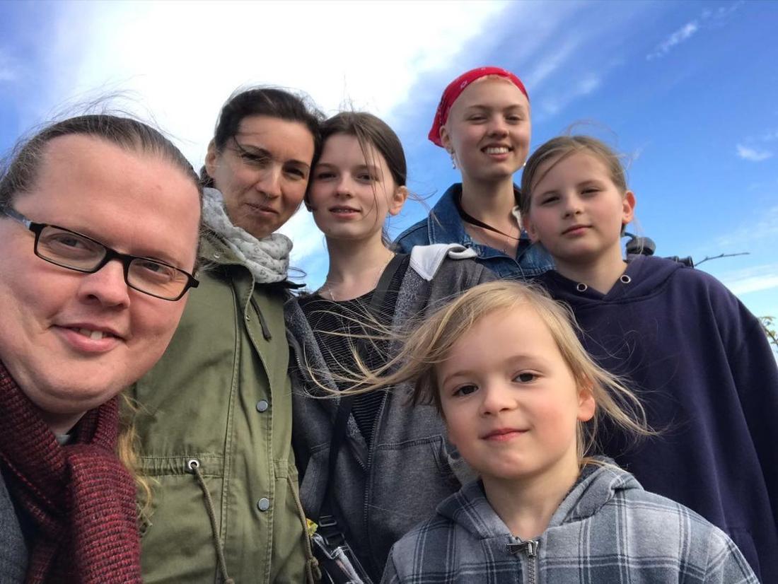 """Summertime in Ireland"": Angelo Kelly postet dieses Familien-Selfie am 8. Juli 2021"