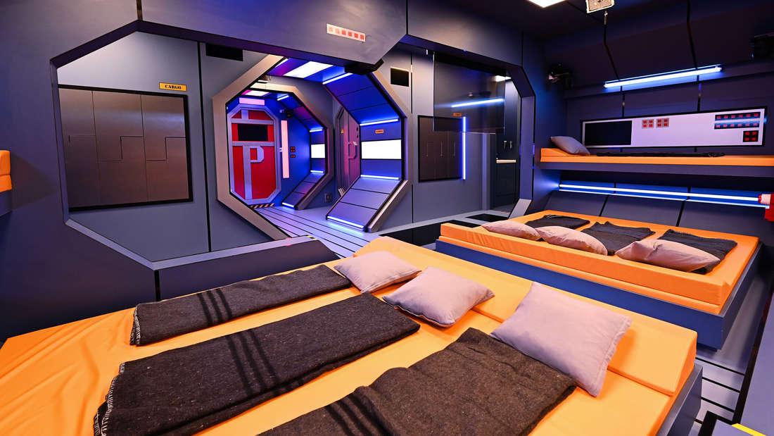 Der Schlafbereich in der Raumstation bei Promi Big Brother.