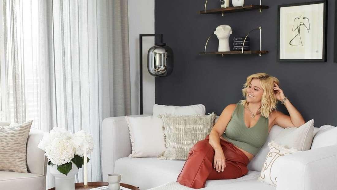 Beatrice Egli in ihrer Zweizimmerwohnung in ihrer Heimat Pfäffikon