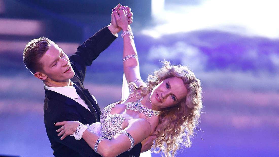 Katja Burkard und Paul Lorenz in der RTL-Show Let s Dance am 13.03.2015 in Koeln