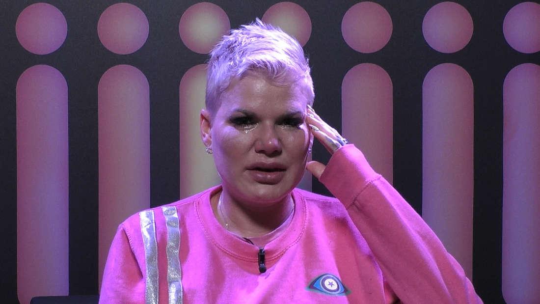 Melanie Müller weint