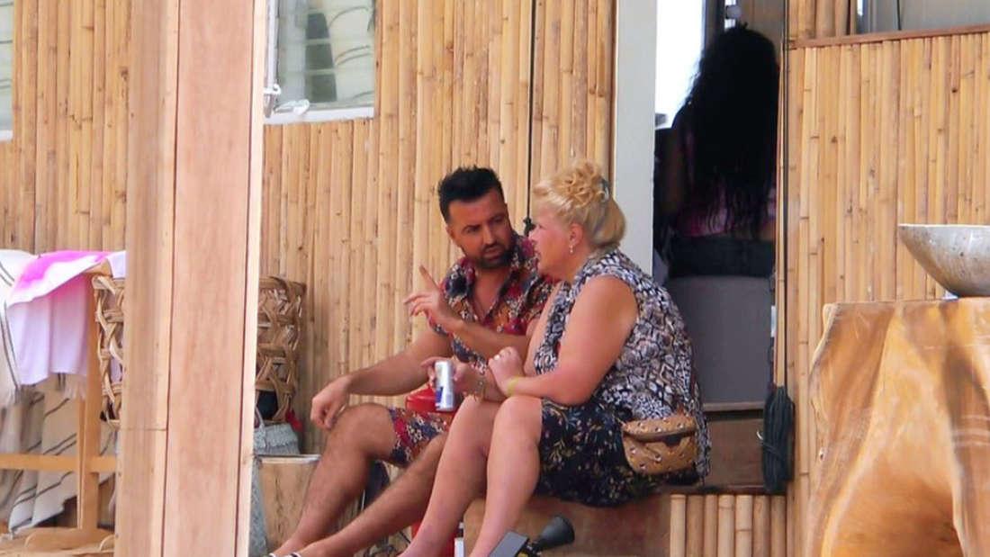 Cosimo Citiolo und Silvia Wollny sitzen zusammen in der Sala