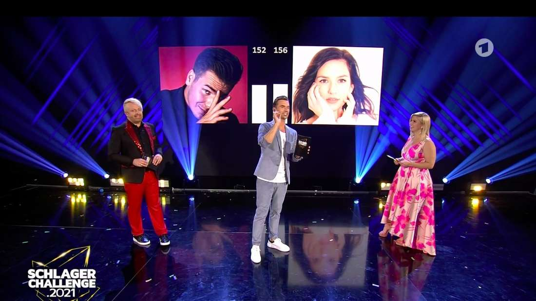 Ross Antony, Florian Silbereisen und Beatrice Egli verkünden das Ergebnis des Star-Votings. Florian Silbereisen rudert zurück: Das Ergebnis ist falsch.