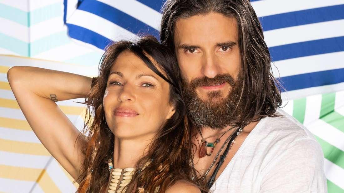 Im Sommerhaus der Stars geben Jana und Sascha ein Pärchen ab. Nun zweifeln die Sommerhaus-Zuschauer an den beiden: Ist ihre Liebe echt oder nur ein Fake?
